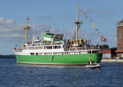 Die Sandnes auf dem Weg In ihren norwegischen Heimathafen